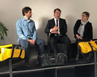 Région Bretagne – Lancement du sac Ledek par Loïg Chesnais-Girard, Président de Région, entouré du designer Joran Briand et de la Présidente de Guy Cotten, Nadine Bertholom-Cotten