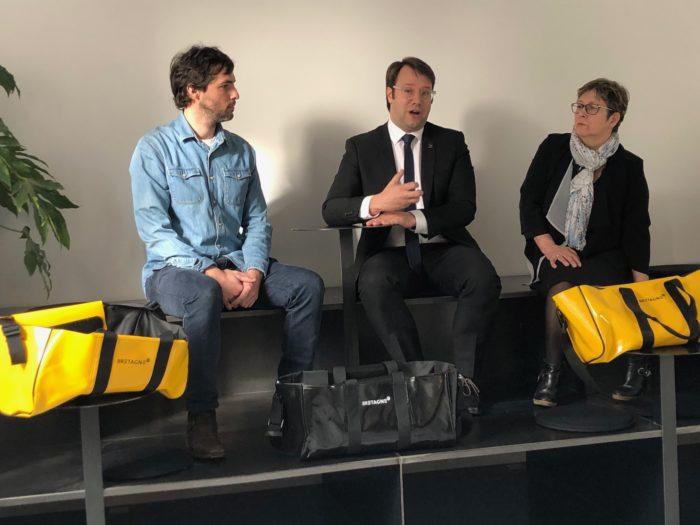Photo : La Région Bretagne et Guy Cotten créent le sac Ledek : objet ambassadeur de la Bretagne
