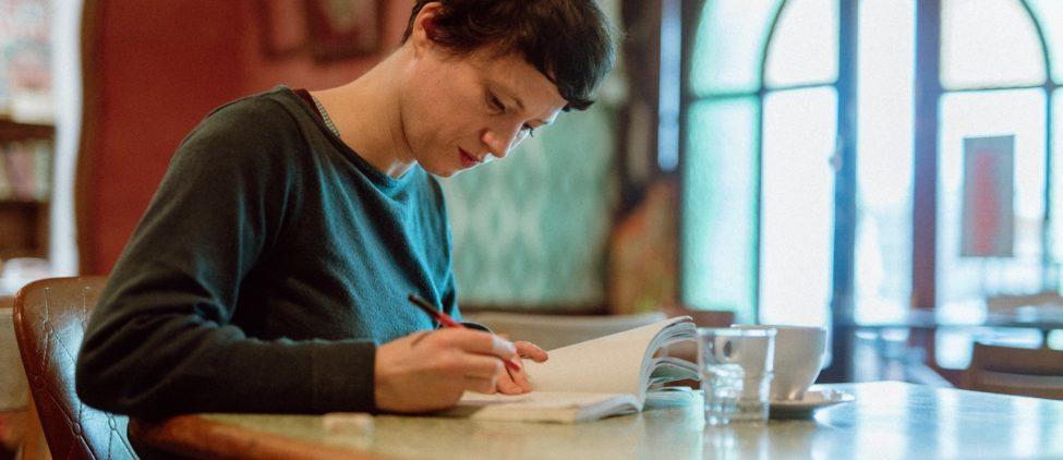 Marianne Larvol, Graphiste-illustratrice, Douarnenez, portrait de Tost Magazine
