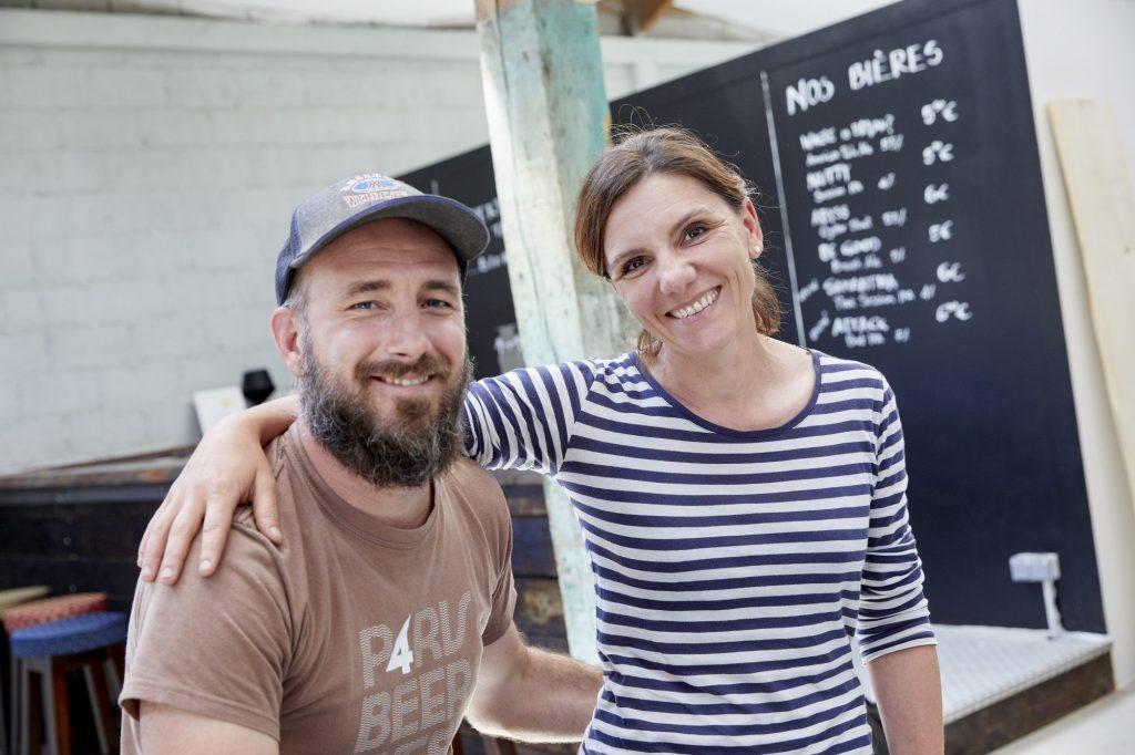 Sara Bambagiotti et Cyril Nédélec, fondateurs de la Brasserie Merlin, Penmarch. talent de Cornouaille. Photo Emmanuel Pain @Bretons