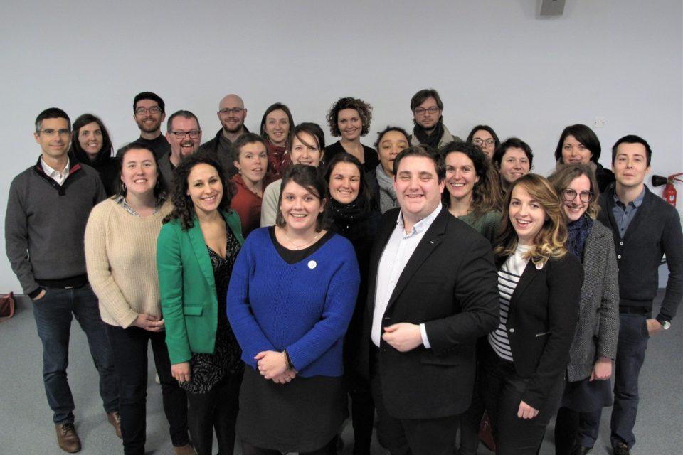 Marine Guillou (au premier plan et au centre de la photo) est la nouvelle présidente des Jeunes chambres économiques bretonnes. © JCE