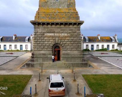 Emission Abers Road, en Cornouaille avec Nolwenn Leroy : van aux pieds du phare d'Eckmuhl